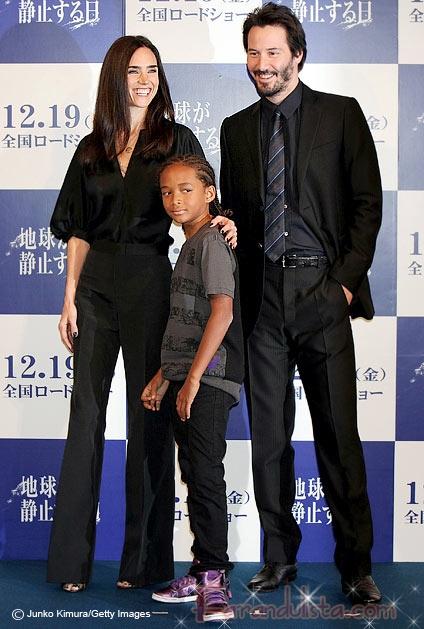 Keanu sonrie en Tokyo por The Day The Earth Stood Still
