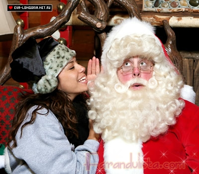 Eva Longoria visita a Santa en Disney