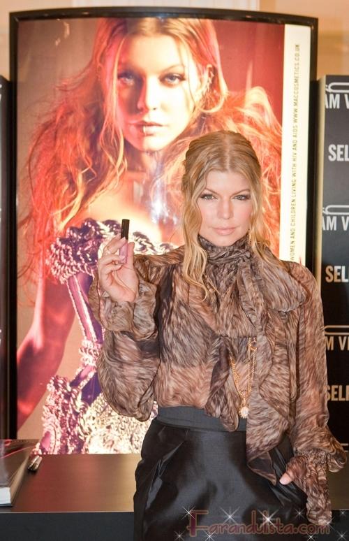 Fergie en el lanzamiento del Labial MAC Viva Glam IV Londres