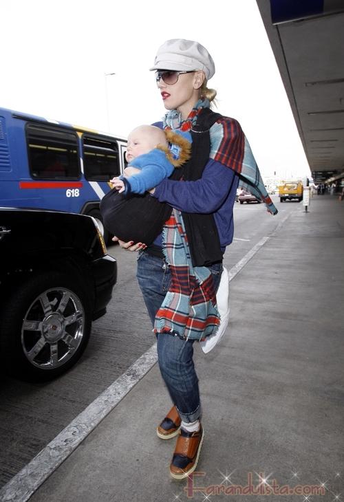Gwen Stefani y baby Zuma en LAX