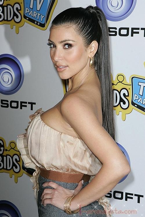 Kim Kardashian vuelve a su look anterior