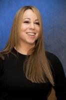 WTF? Que le pasa al rostro de Mariah Carey?