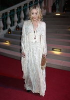 Mary-Kate Olsen escondiendo un embarazo?