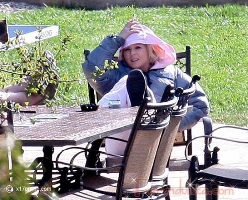 Tara Reid relajada en rehab