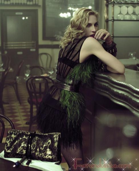 Madonna luce increible para Louis Vuitton
