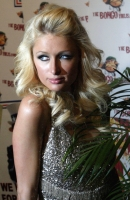 Paris Hilton celebra el 2009 en The Bongo Virus Sydney