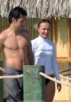 Hayden Panettiere y Milo Ventimiglia en Bora Bora