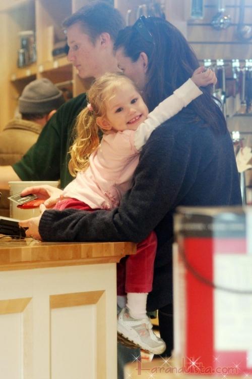 Jennifer Garner le dara un hermanito(a) a Violet en 2009