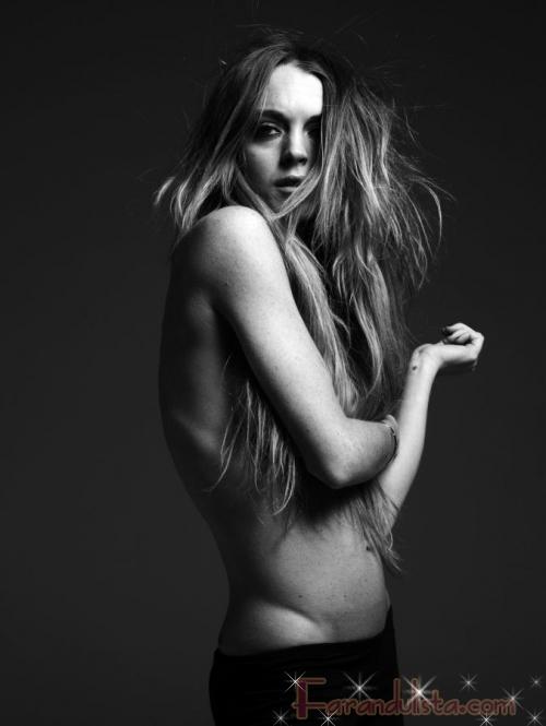 SHOCK! Lindsay Lohan muestra su ESQUELETICA figura