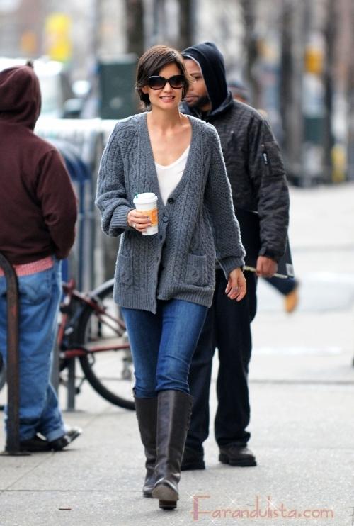 Katie Holmes rumbo a su ensayo en New York