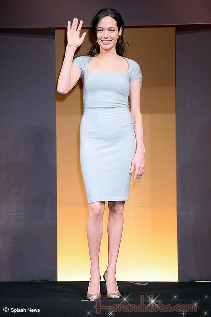 Angelina Jolie vestida de Ralph Lauren: sexy o blah?