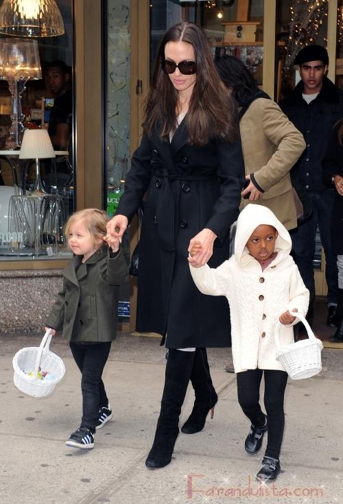 Angelina en una tarde de chicas con Shiloh y Zahara