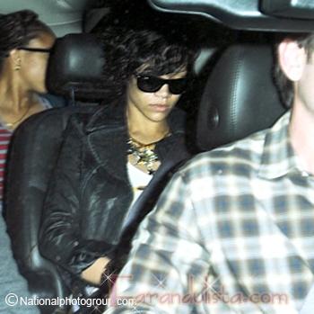 Rihanna reaparece y rompre el silencio