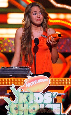 Miley Cyrus llora en los Kids Choice Awards 2009