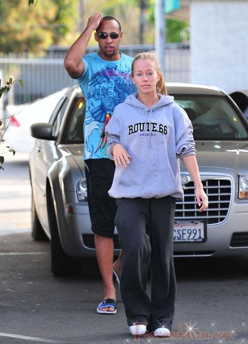Kendra Wilkinson y su prometido Hank Baskett
