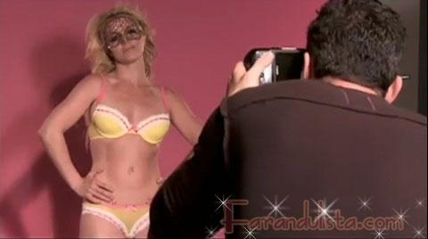 Britney Spears en ropa interior para Candies - Gossip Links!