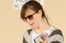A Jennifer Garner la pillan con la ropa interior rota! LMAO!