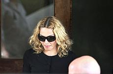 Retrasan el proceso de adopcion de Madonna hasta el viernes
