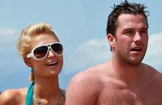 Paris Hilton en bikini con Dough Reinhardt en Hawaii