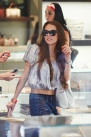 Lindsay Lohan de compras en Maui