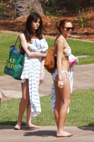 Lindsay Lohan en bikini en Hawaii no luce tan mal?