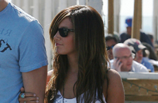 Ashley Tisdale y su nuevo novio Scott Speer