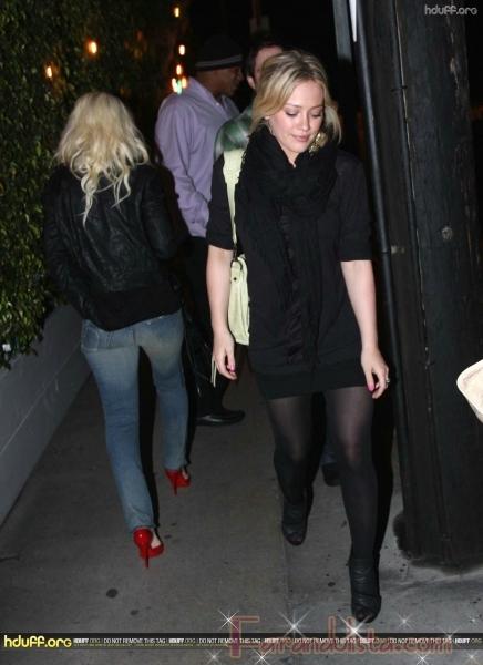 Christina Aguilera y Hilary Duff se ignoraron... Big Deal!