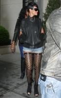 Rihanna y su HORRIBLES BOTAS en Soho