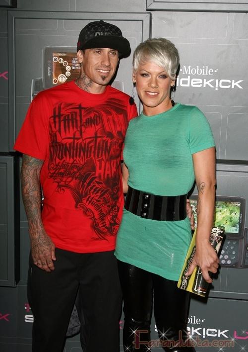 Pink y Carey Hart en la T-Mobile Party en LA... lovely