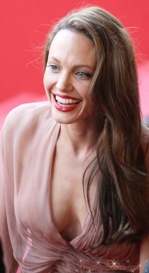 Angelina Jolie golpeo su cabeza en el set de Salt
