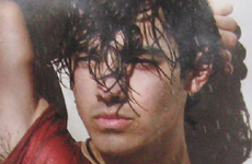 Joe Jonas haciendose el sexy… F-A-I-L!