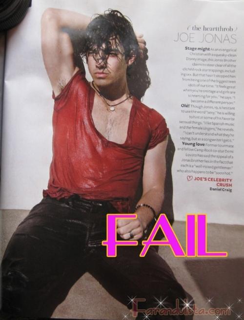 Joe Jonas haciendose el sexy... F-A-I-L!