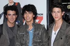 Lady Gaga compara a los Jonas Brothers con The Beatles