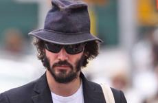 Keanu Reeves necesita un estilista