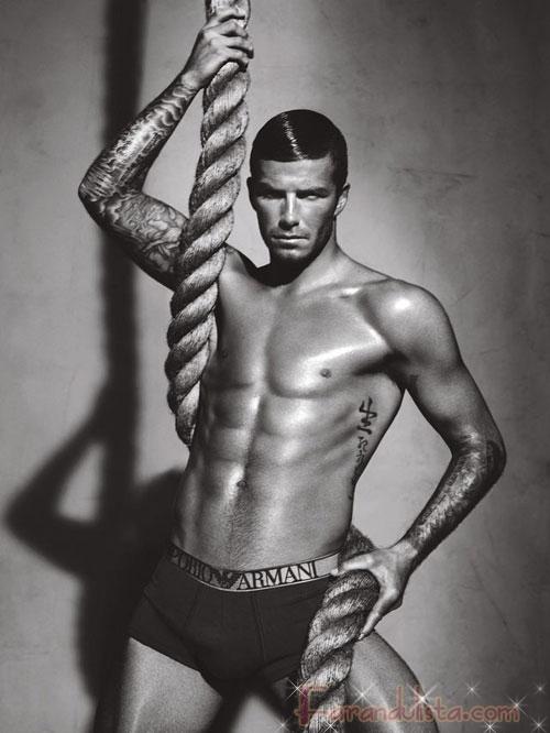 David Beckham se quita casi todo para Armani