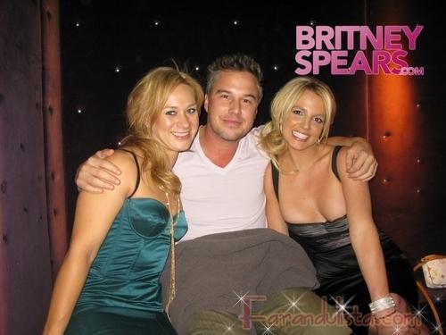 Britney Spears esta saliendo con su agente Jason Trawick