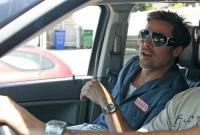 A Brad Pitt se le descompuso la moto y pidio lo llevaran