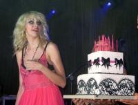 Gossip Girl Taylor Momsen celebro sus dulces 16