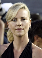 Charlize Theron en el 2009 World Football Challenge!