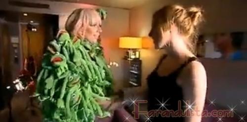 Lady Gaga y su traje de la Rana René (En serio)