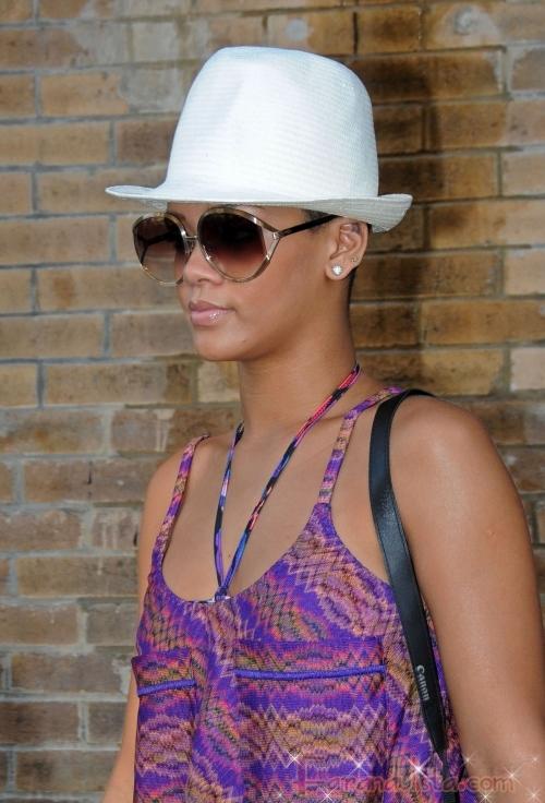 Rihanna quiere a Chris Brown cerca de ella