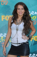 Miley Cyrus se lleva SEIS Teen Choice Awards 2009