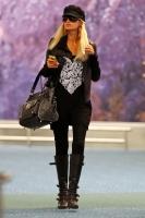 Paris Hilton 'fabulous' de negro