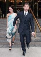 Eric Bana y su esposa elegantes en New York