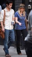 Hilary Duff Filmando Gossip Girl (Olivia sera el nuevo amor de Dan)