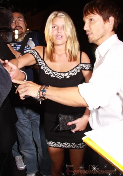 Jessica Simpson celebrando con Ken Paves