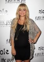 Nicole Richie y su linea de Ropa de Maternidad para 'A Pea in the Pod'