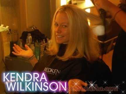 Kendra Wilkinson se corta el cabello