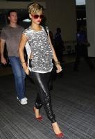 Rihanna muestra su lado funky