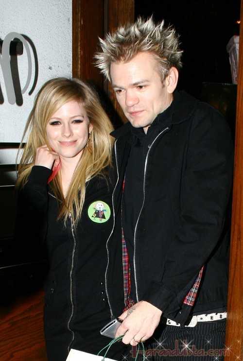 Avril Lavigne y su esposo Deryck Whibley se separan - CONFIRMADO!